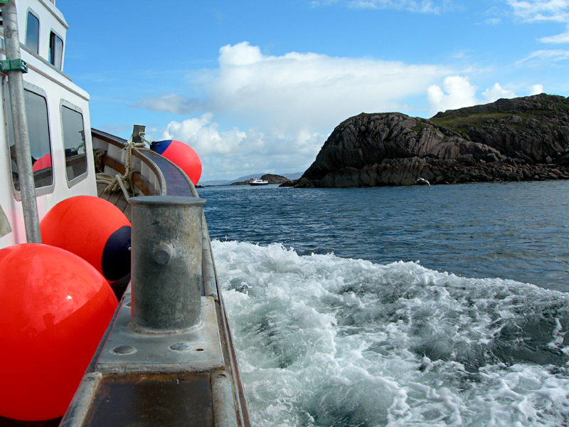 Iona-Staffa trip aboard the Iolaire  © 2006 Scotiana