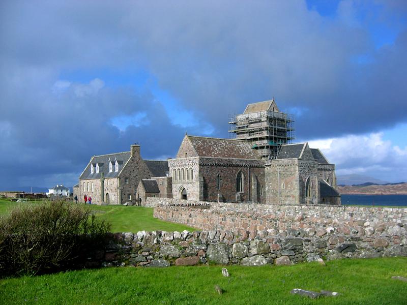 Iona Abbey © 2006 Scotiana