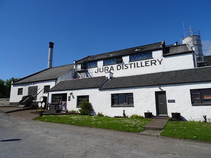 Jura distillery © 2015 Scotiana