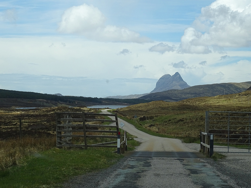 Single track road in Assynt © 2015 Scotiana