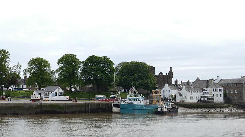 Kirkcudbright harbour © 2015 Scotiana