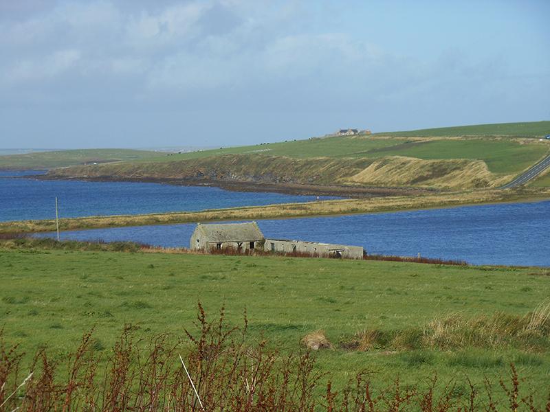 A causeway in the Orkney Islands © 2012 Scotiana