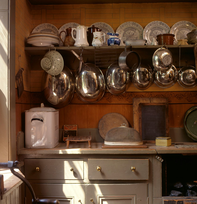 Miss Toward's kitchen - Glasgow Tenement House kitchen © National Trust for Scotland
