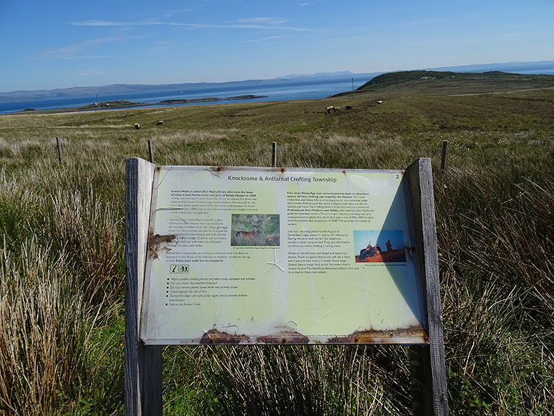 Isle of Jura Evan's Walkinformation panel © 2015 Scotiana