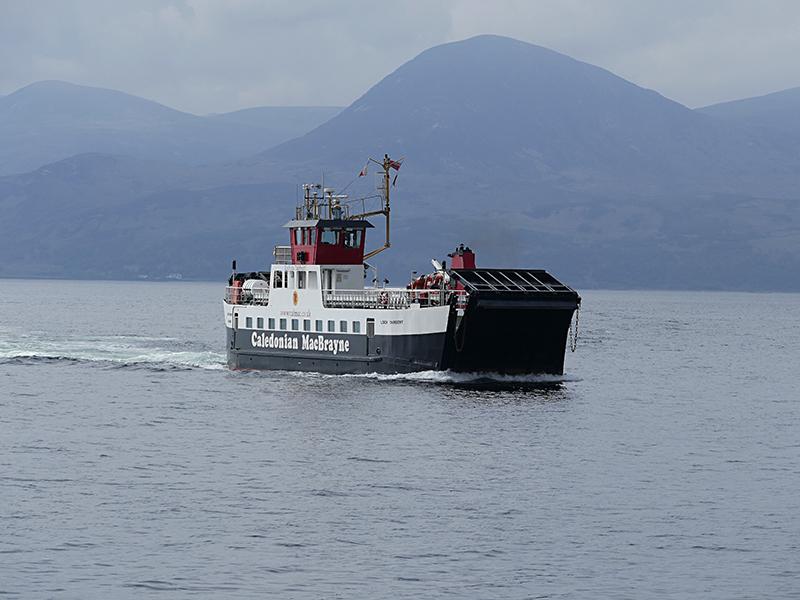 Claonaig-Lochranza ferry © 2015 Scotiana