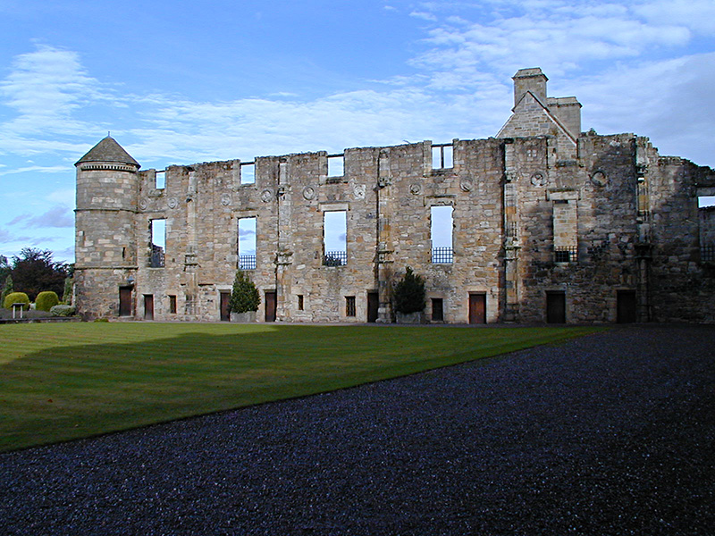 Falkland Palace Courtyard East Range  © 2003 Scotiana