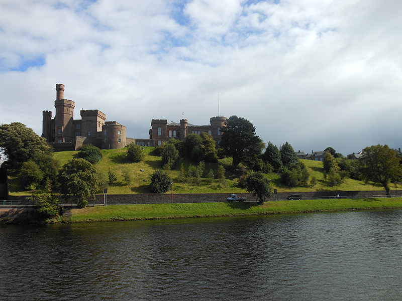 Inverness Castle © 2012 Scotiana