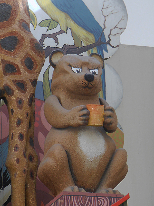 Inverness Eastgate Centre animated clock bear © 2015 Scotiana
