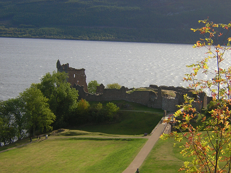 Urquhart Castle on Loch Ness © 2003 Scotiana