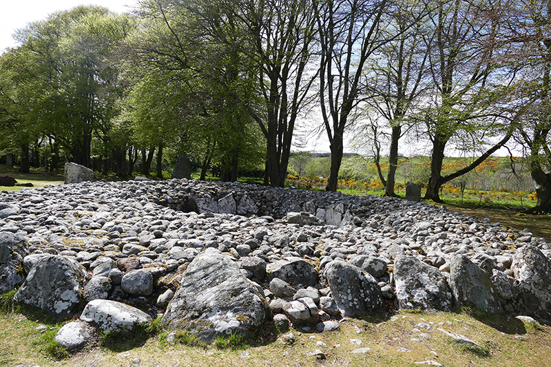 Clava Cairn Central Ring Cairn © 2015 Scotiana