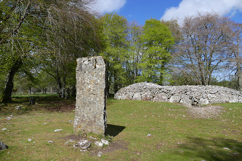 Clava Cairns North East Passage Grave © 2015 Scotiana
