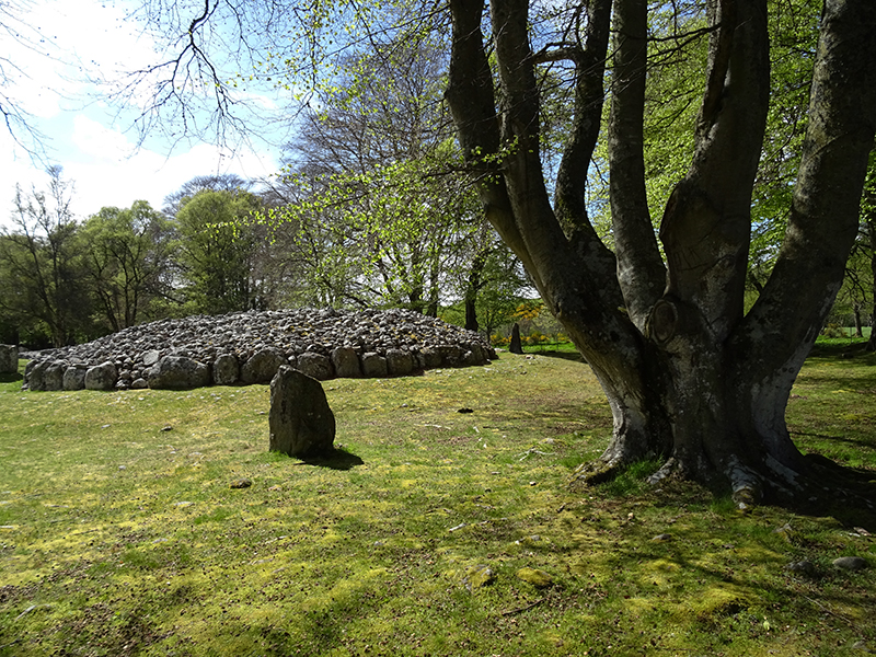 Clava Cairns South West Entrance Passage Cairn © 2015 Scotiana