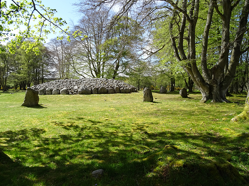 Clava Cairns South West Passage Grave © 2015 Scotiana