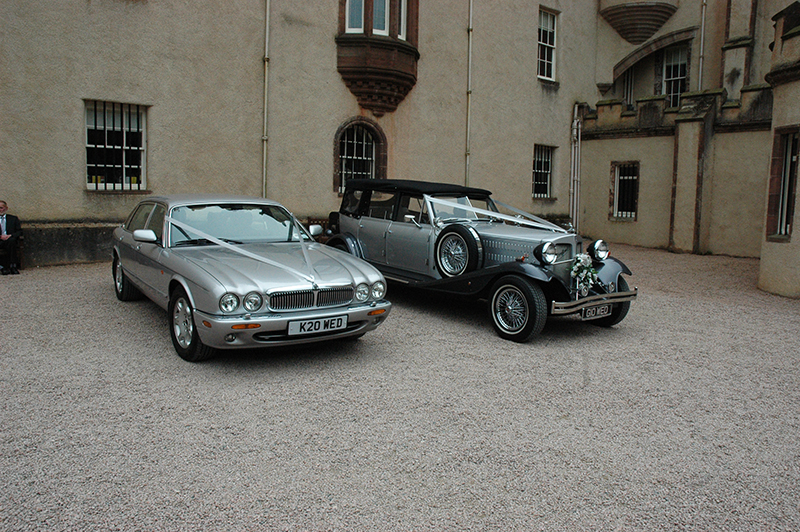 Fyvie Castle wedding cars © 2007