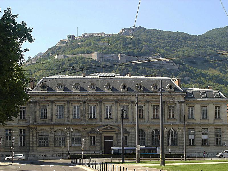 Le Palais de l'université - ancien siège des facultés de Grenoble.