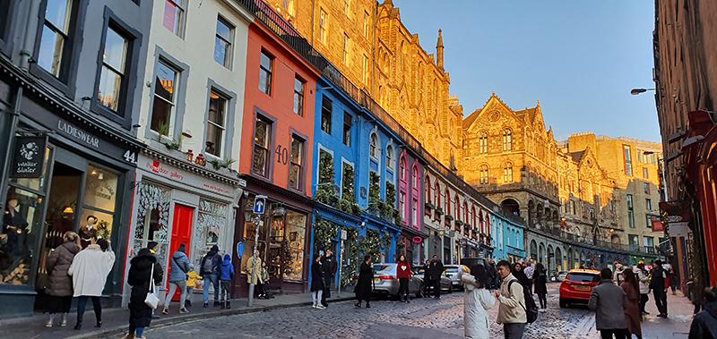 Edinburgh Victoria Street © 2019 Scotiana