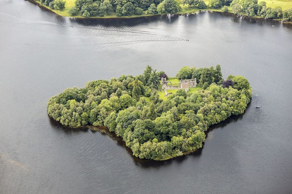 Aerial view of Inchmahome Priory, Inchmahome Island, Lake of Menteith Wikimedia