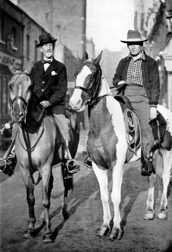 Don Roberto (left) and Aimé Tschiffely riding together in London.