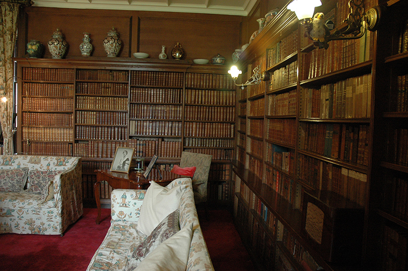 The Library of Thirlestane Castle © 2007 Scotiana