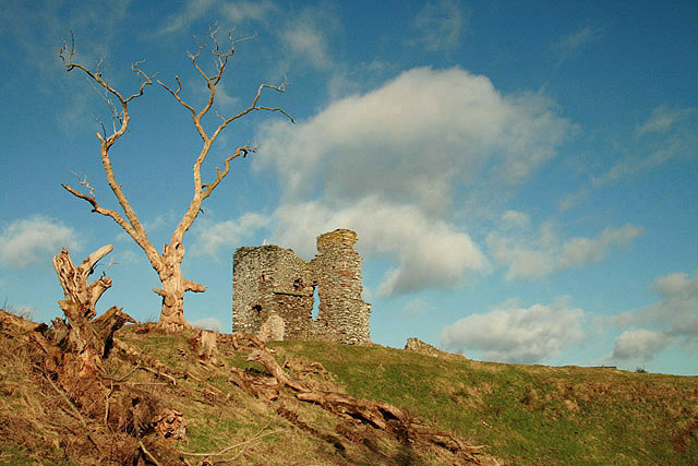 Maitland's original peel tower (Old Thirlestane Castle) - Wikimedia