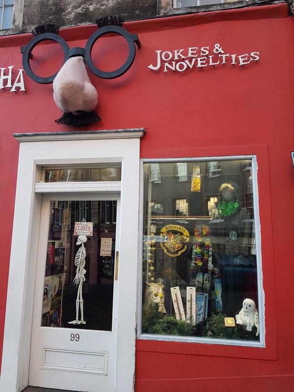 Edinburgh Victoria Road Aha Ha Ha Joke Shop © 2019 Scotiana