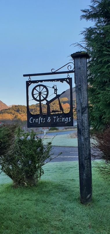 Glencoe Crafts & Things shop sign- Scotland in winter © 2019 Scotiana