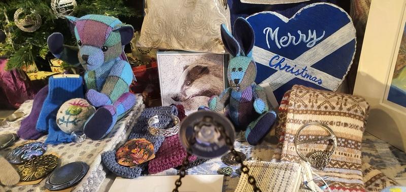 Scotland in Winter Edinburgh Canongate Jerseys & Crafts Teddy Bears © 2019 Scotiana